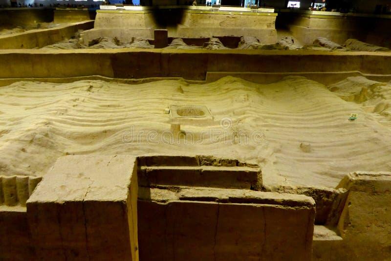 Terrakottaarmékrater royaltyfri foto
