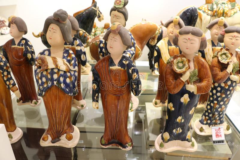 Terrakottakrigare i turist- diversehandel i Lintong, Kina arkivfoto