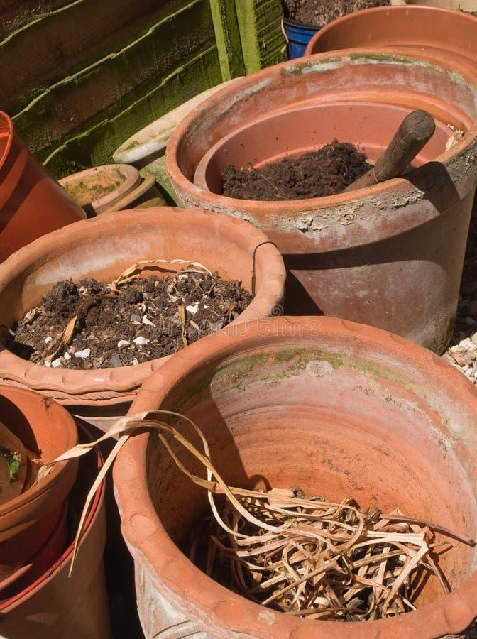 Terrakottaväxtkrukor fotografering för bildbyråer