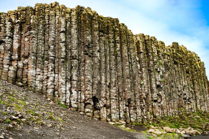 Terraplén gigante del ` s en la costa costa de Irlanda del Norte Océano Atlántico imágenes de archivo libres de regalías