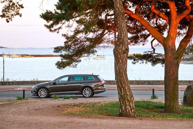 Terraplenagem do parque de Kaivopuisto fotos de stock royalty free