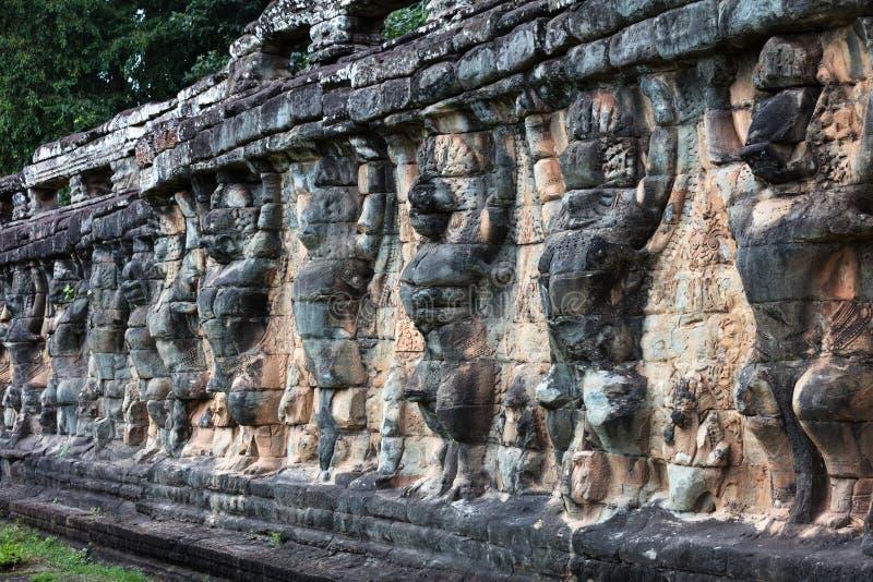 terrass av elefanter på Angkor Thom, Cambodja arkivfoto
