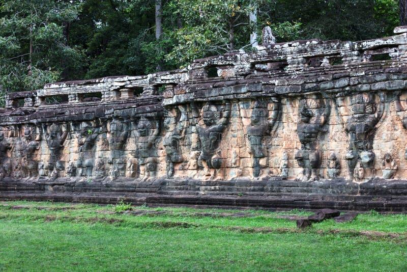 terrass av elefanter på det Angkor Thom komplexet, Cambodja arkivbild
