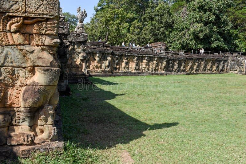 Terrass av elefanterna på Angkor Thom på Siemreap, Cambodja arkivfoto