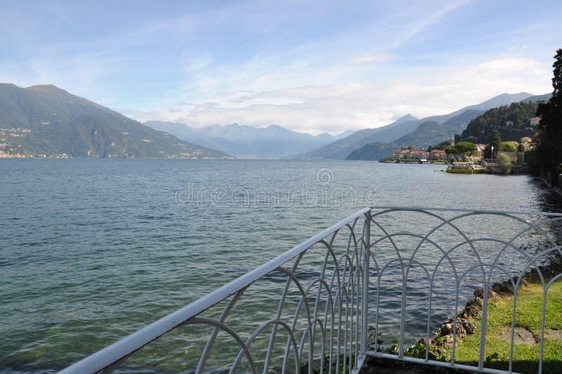 Terrass med sikt på sjön Como royaltyfria foton