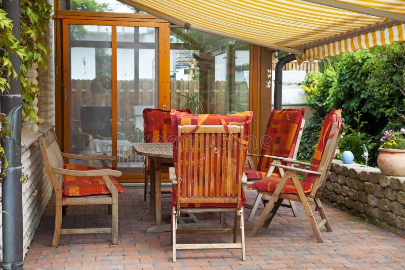 Terrasse confortable image stock