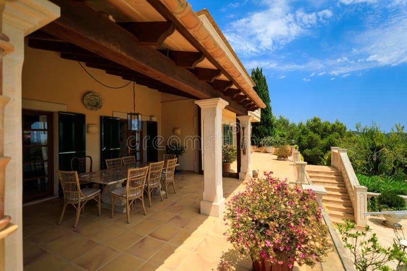 Terrasse de la maison espagnole image libre de droits