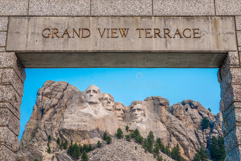 Terrasse grande commémorative nationale de vue du mont Rushmore images stock