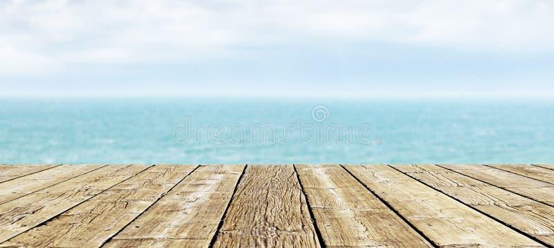 Terrasse in Ozean lizenzfreies stockfoto