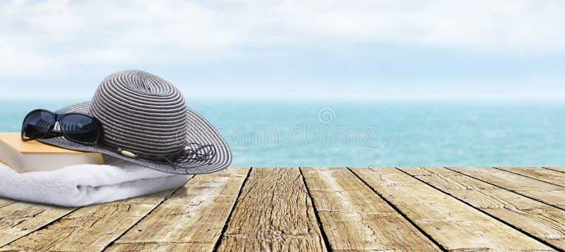 Terrasse in Ozean lizenzfreie stockfotos