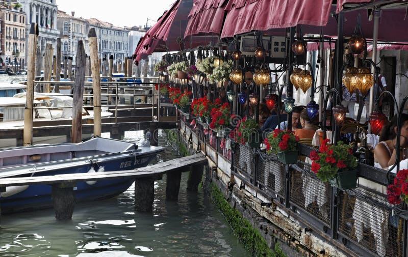 Terrasse in Venedig stockfotos