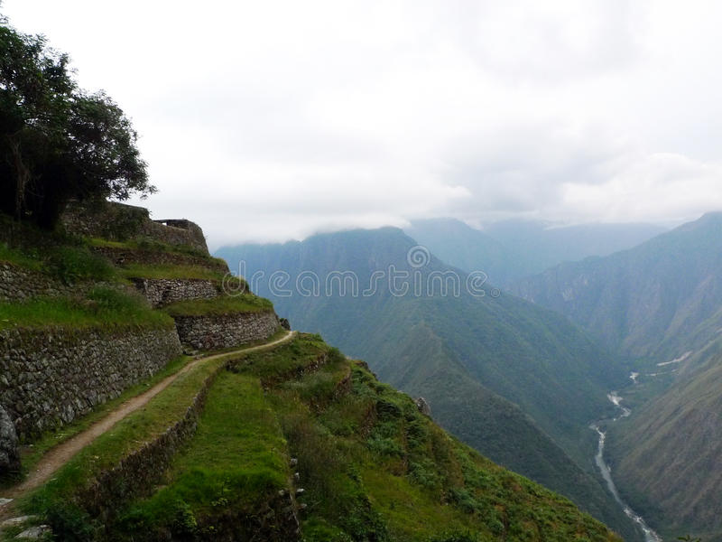 Terrasseackerland entlang Inka-Spur, Peru stockfotos
