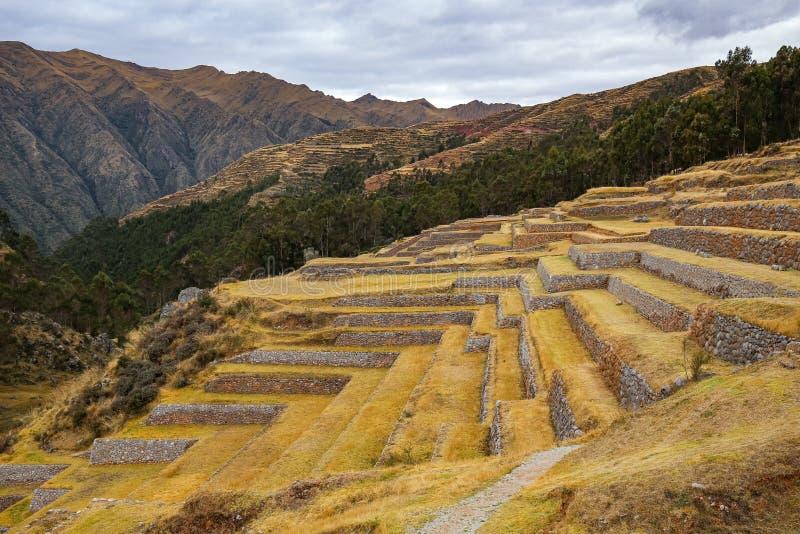 Terrassen auf den Ruinen der Inka-Gebäude Chinchero, Peru stockfoto