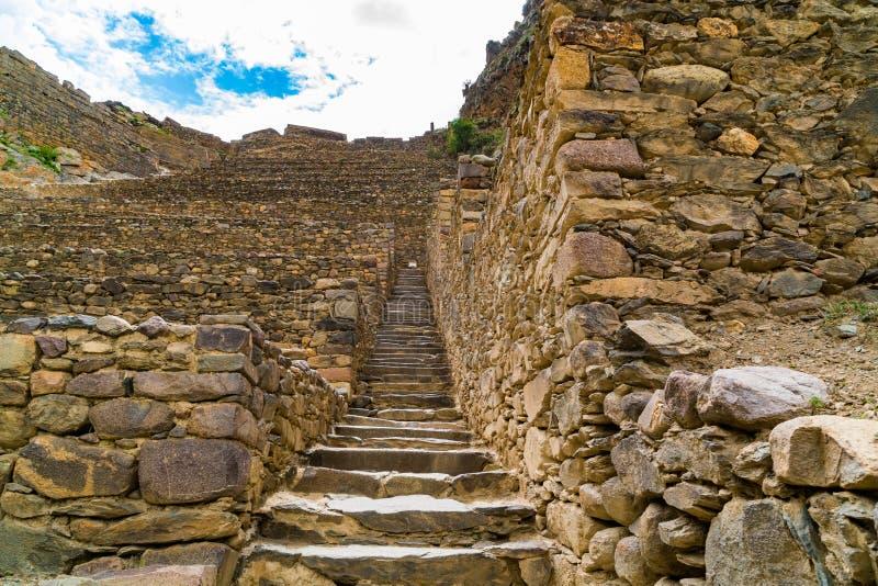 Terrasser av Pumatallis på Ollantaytambo royaltyfri bild