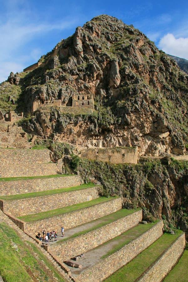 Terrasses de Pumatallis chez Inca Fortress dans Ollantaytambo, Pérou photographie stock libre de droits