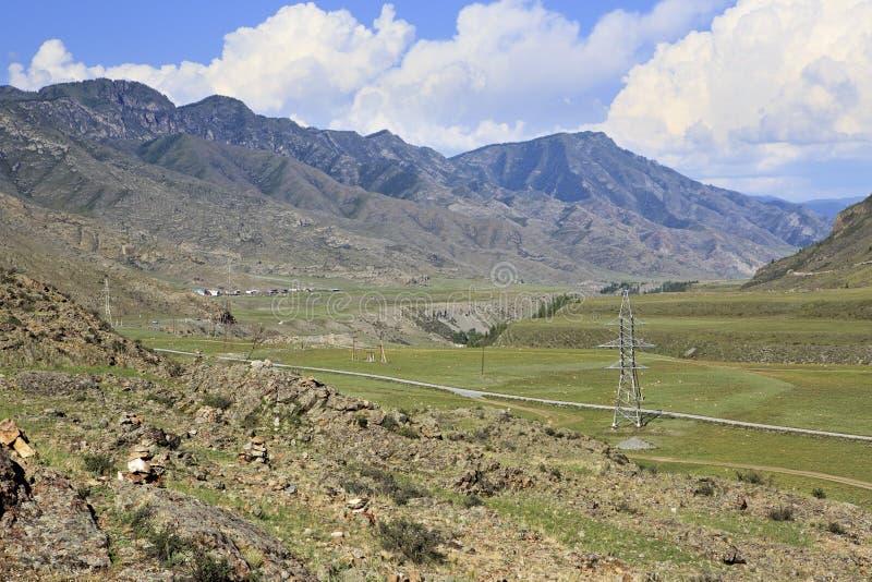 Terrasses de rivière des rivières Chuya et Katun de montagne photographie stock