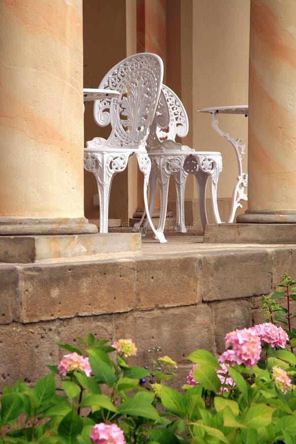 Terraza con la flor del castillo imagenes de archivo