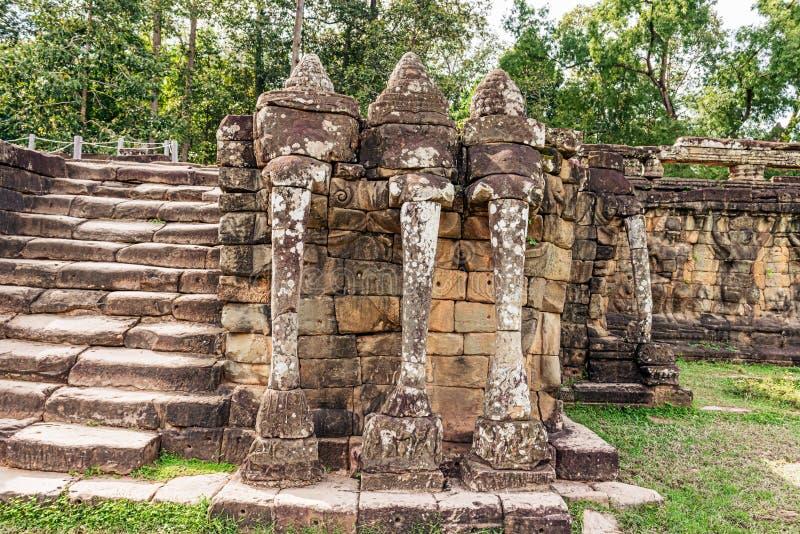 Terraza De Elefantes En Angkor Siem Reap Camboya L Imagen