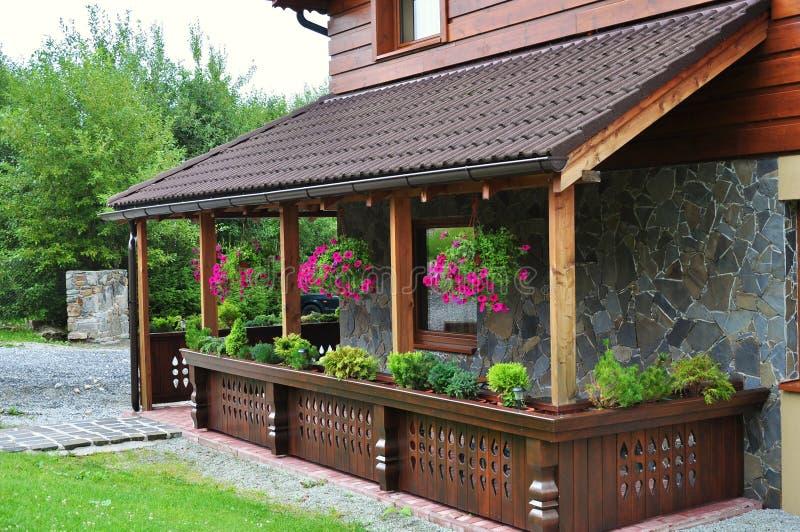 Terraza de la casa de verano fotografía de archivo