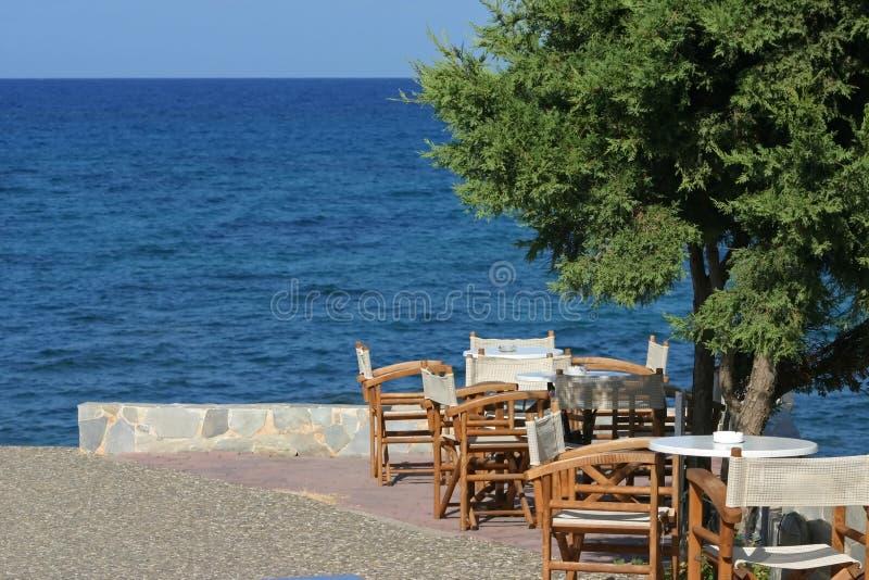 Terraza en Grecia fotografía de archivo libre de regalías