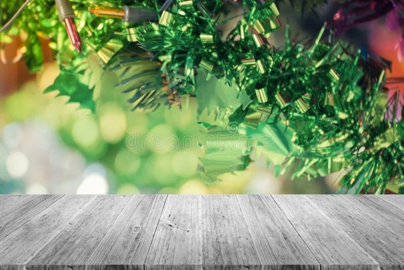 Terraza Y Decoración De Madera Del árbol De Navidad Proceso