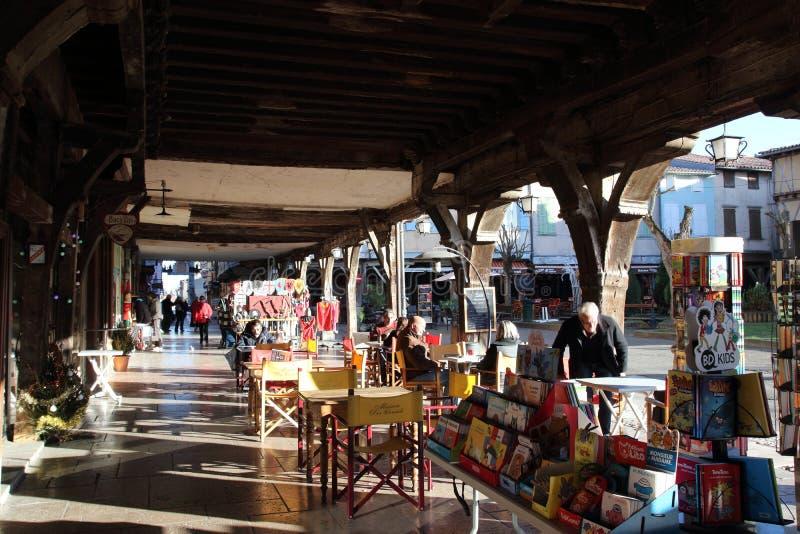 Terraza y tienda de la cervecería en Francia foto de archivo