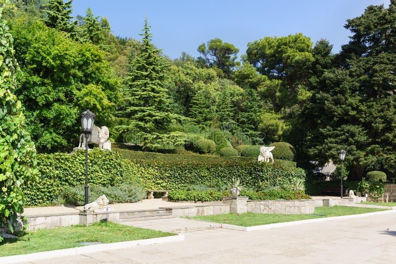 Terrazas Verdes Del Parque Viejo Del Palacio De Yusupov