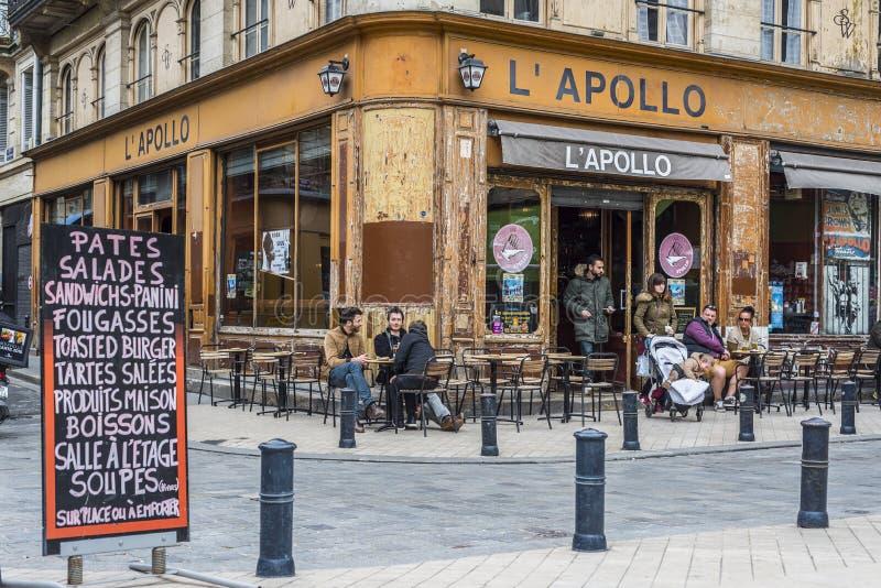 Terrazzo di Antivari del caffè di Apollo in Bordeaux aquitaine france fotografia stock libera da diritti