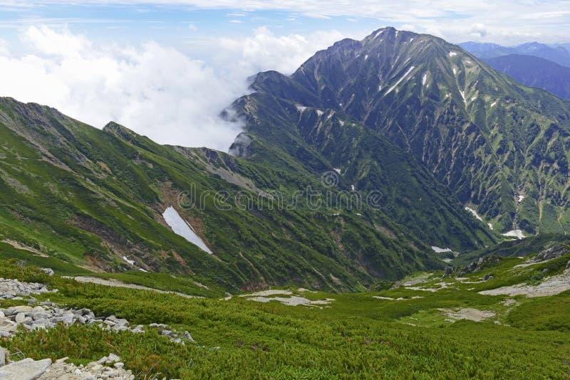 Terreno alpino en el soporte Karamatsu, montañas de Japón imágenes de archivo libres de regalías