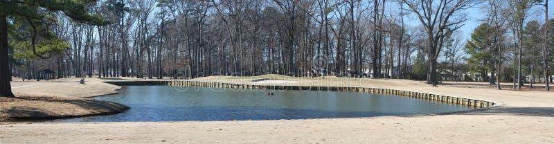 Terreno da golf di inverno panoramico fotografia stock libera da diritti