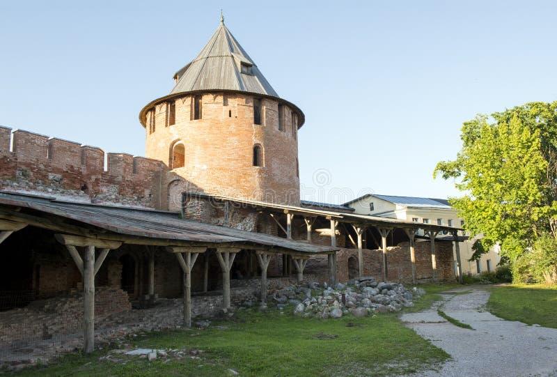 Território dentro do Kremlin de Veliky Novgorod, Rússia, terraco fotografia de stock royalty free