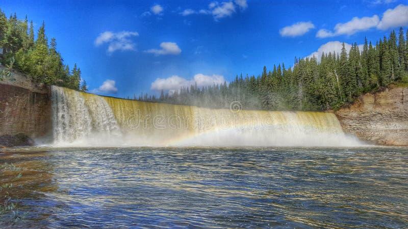 Territórios do noroeste do ` s da senhora Evelyn Falls In Canada foto de stock royalty free