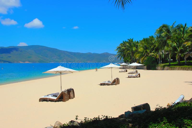 Territorio del hotel de la hermosa vista en la isla fotografía de archivo