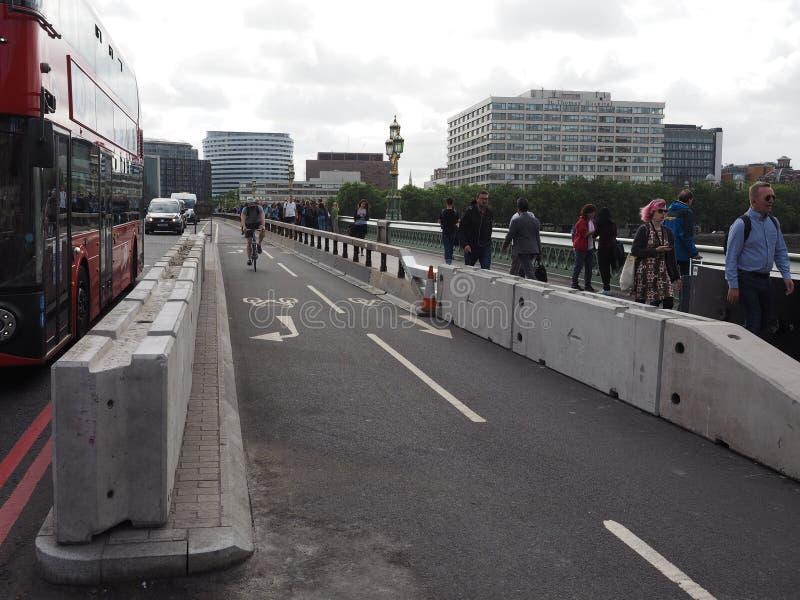 Terroristenbekämpfungsschutzeinrichtung in London stockfotografie