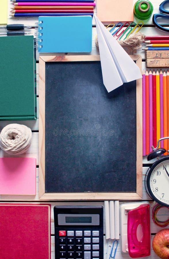 Terug naar de Achtergrond van de School (EPS+JPG) royalty-vrije stock foto
