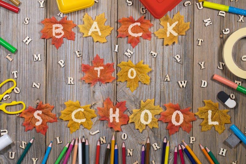 Terug naar school kleurrijke achtergrond stock foto's