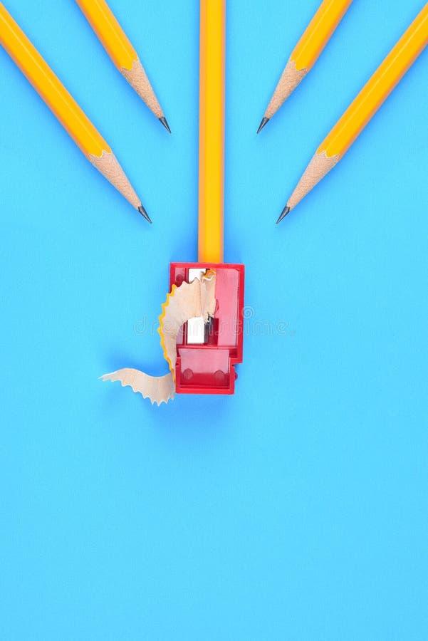 Terug naar Schoolconcept - Gele Potloden stock foto