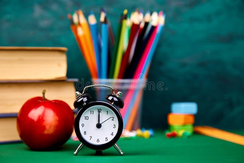 Terug naar schoollevering stock afbeelding