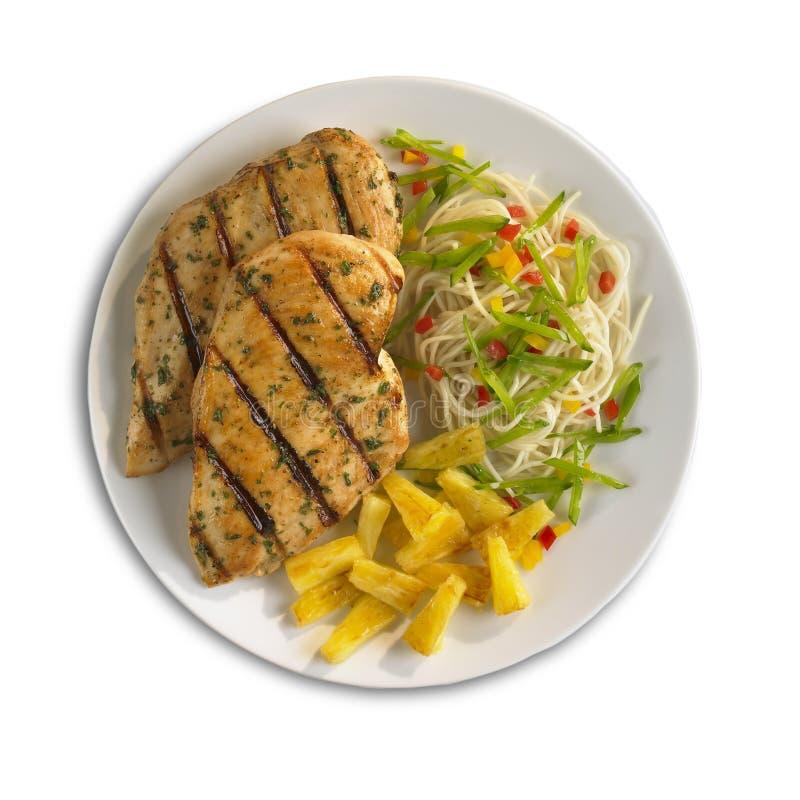 Teryaki Hühnchen-Brust mit Nudeln und Ananas stockfoto