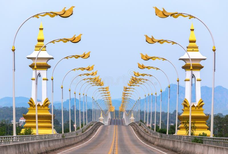 terzo tailandese - ponte di amicizia di laotiano attraverso il Mekong in Nakhon Phanom Tailandia fotografia stock libera da diritti
