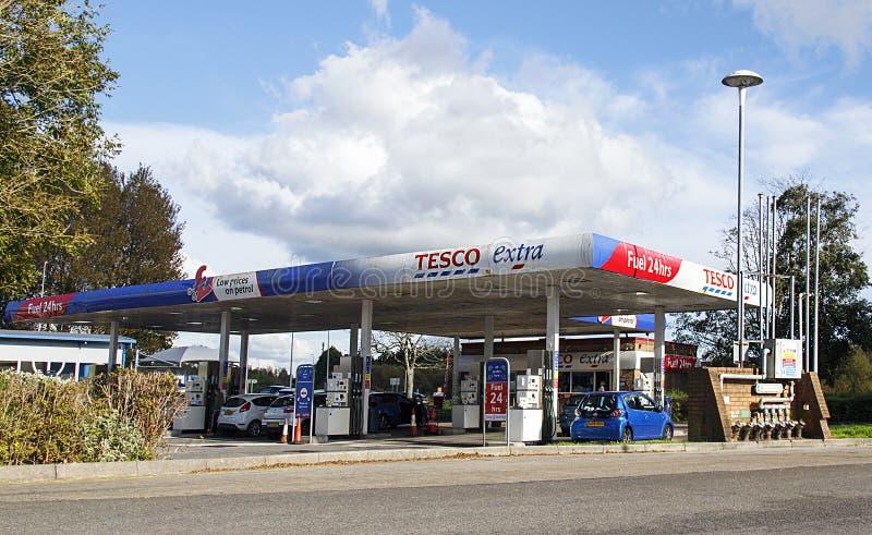 Tesco bensinstation royaltyfri bild