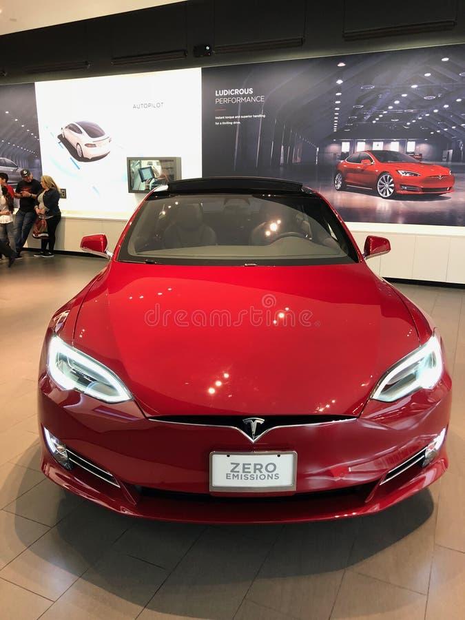 Tesla-Ausstellungsraum stockfotografie