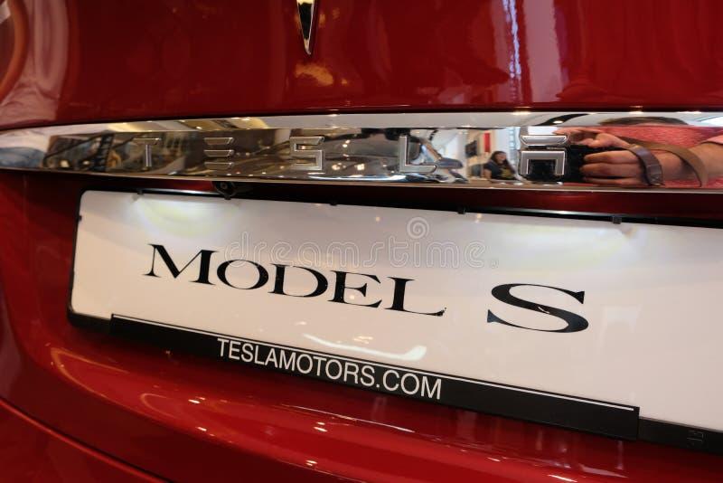 Tesla Models rode elektrische auto royalty-vrije stock afbeeldingen