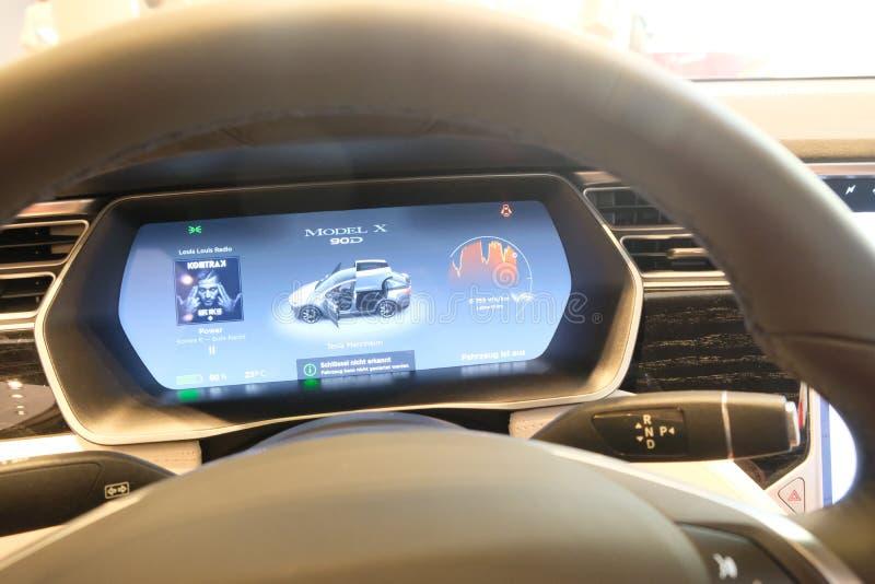 Tesla Modelx elektrische auto stock afbeeldingen