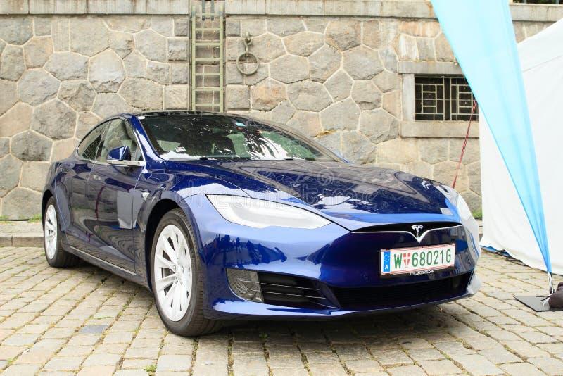 Teslaauto Models stock fotografie