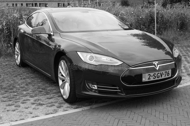 Teslamotoren Models - vooraanzicht - zwart wit stock foto's