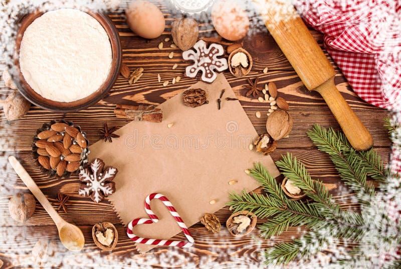 Tesori del nuovo anno di Natale della preparazione Ingredienti e festa fotografie stock libere da diritti