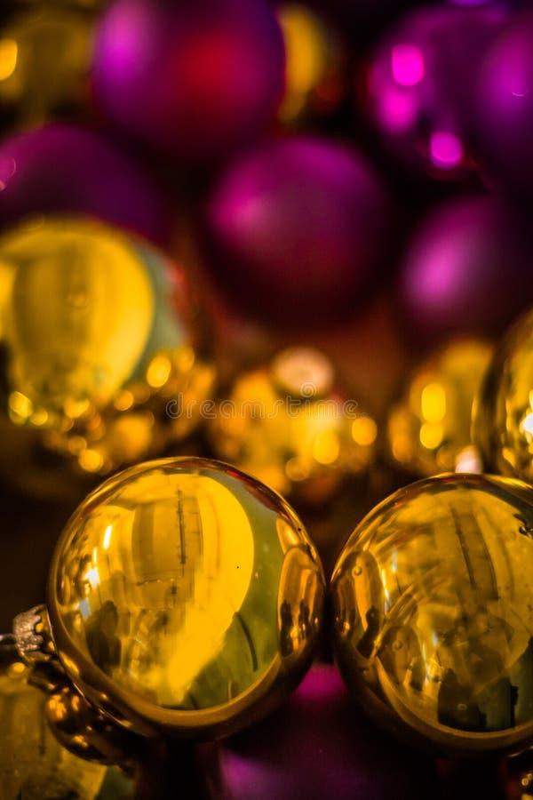 Tesouro do vidro das bolas do Natal fotografia de stock