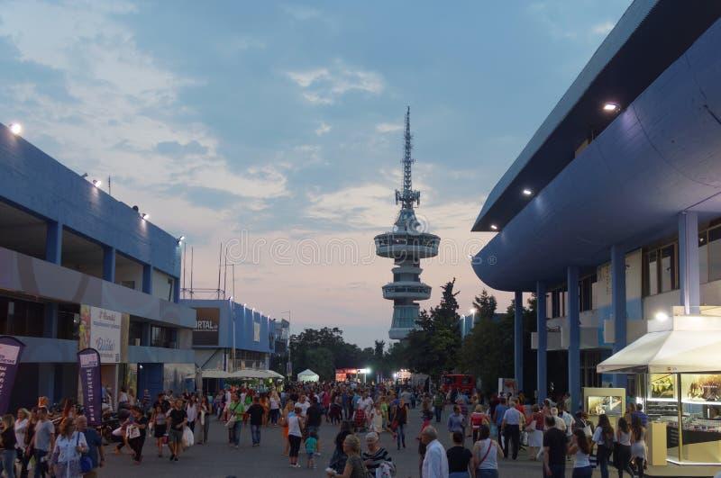 Tessalónica, Grécia - 12 de setembro de 2016: 81st visitantes da noite da feira internacional fotos de stock royalty free
