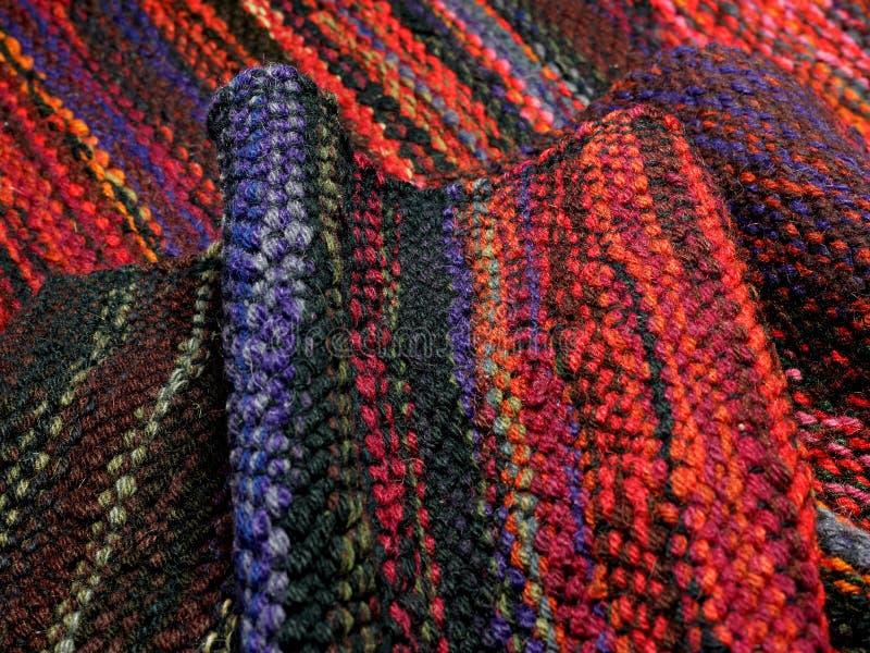 Tessuti di tessitura della mano immagini stock